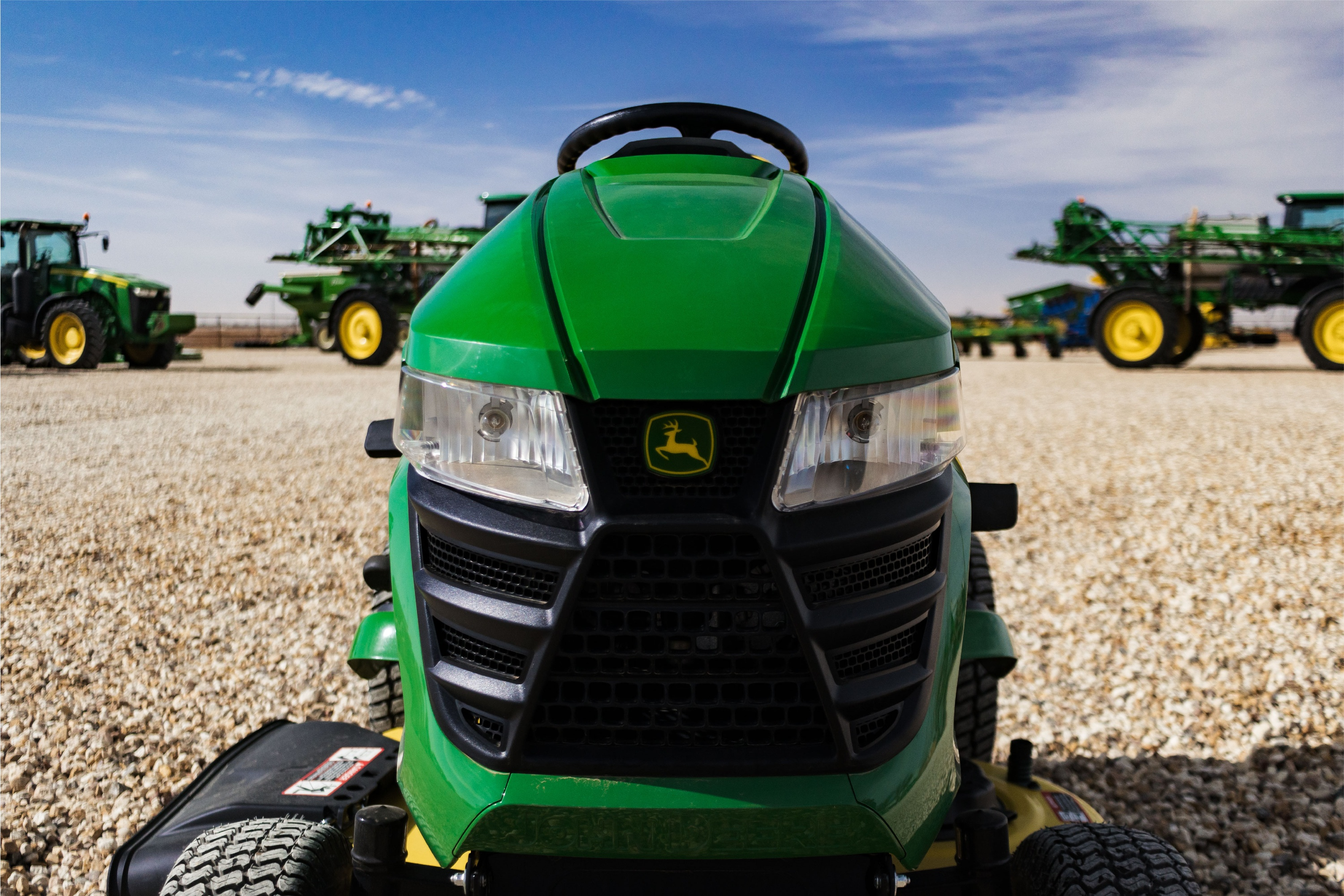 Buying Guide: Riding Lawnmowers